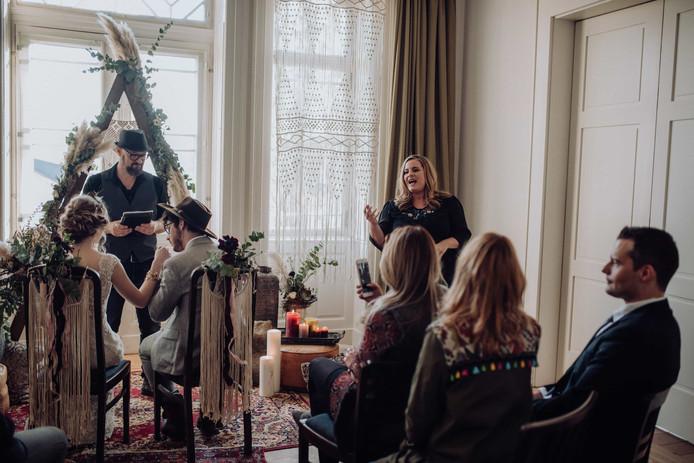 Hochzeitszeremonie mit Nora Brandenburger