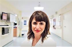 Enfermera  especializada en cuidados int