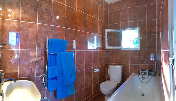 haddon bathroom.JPG