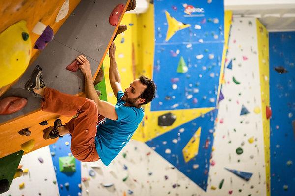 vertical-arrampicata-corsi.jpg