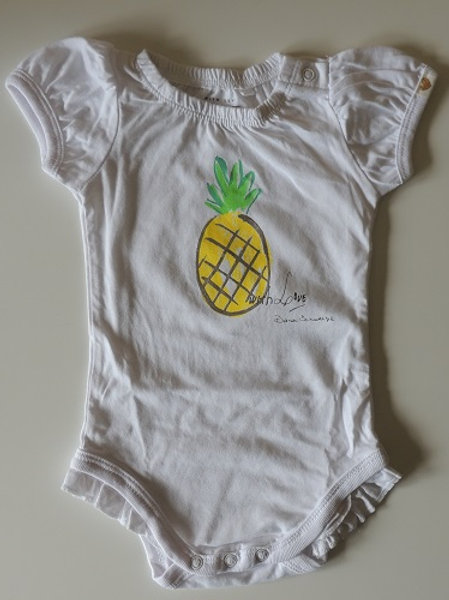 100% Cotton Pineapple Baby Bodysuit. available in sizes:  3-6Months / 62-68cm 1-2 Years / 86-92cm