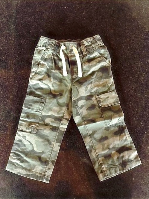 Old Navy Camouflage Trousers Elasticated waistband, with adjustable drawstring. Faux fly. Slant pockets and secure-flap cargo