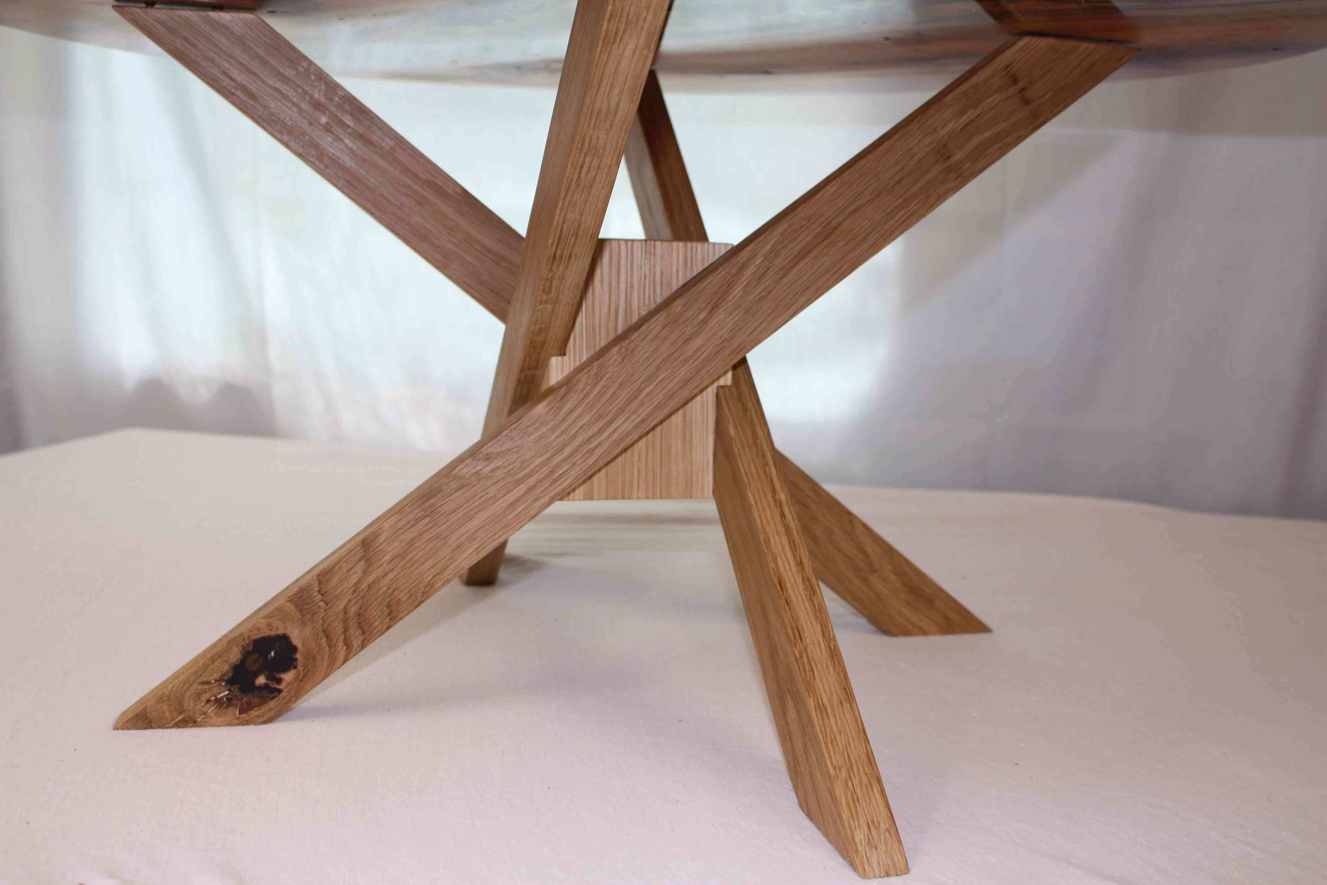 Geometric Oak base