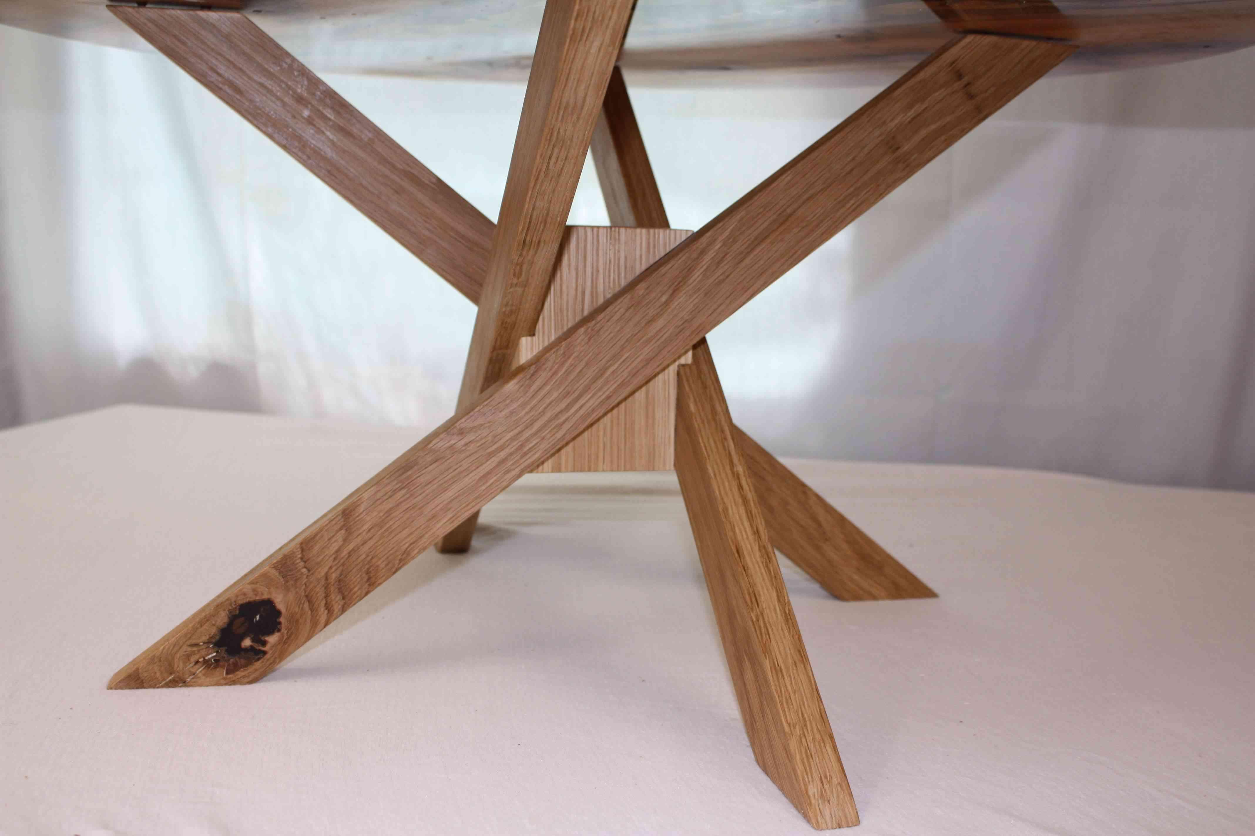 Geometric Oak base