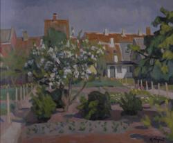 リンゴの花咲く裏庭