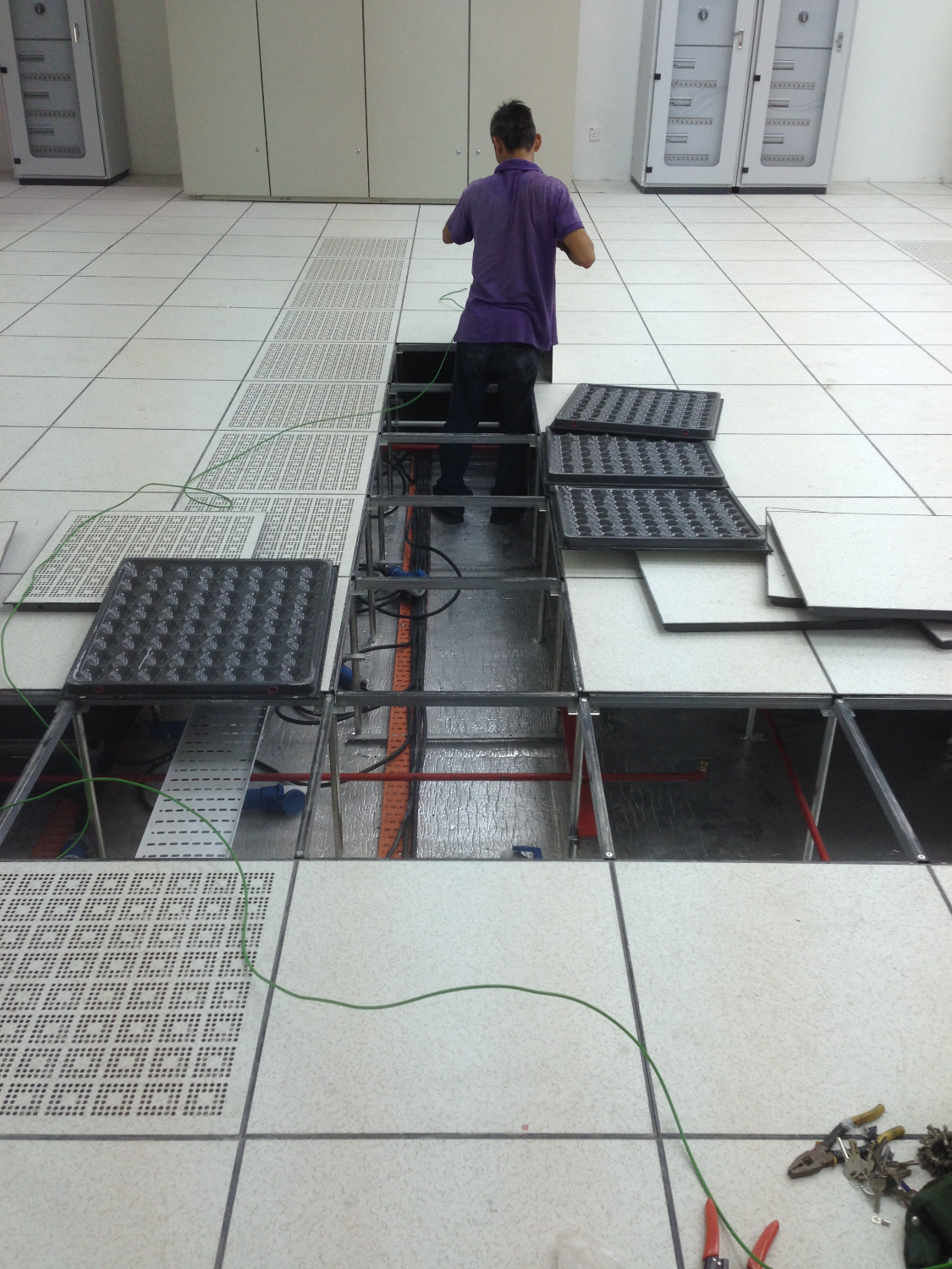 Data Center Cable Installation