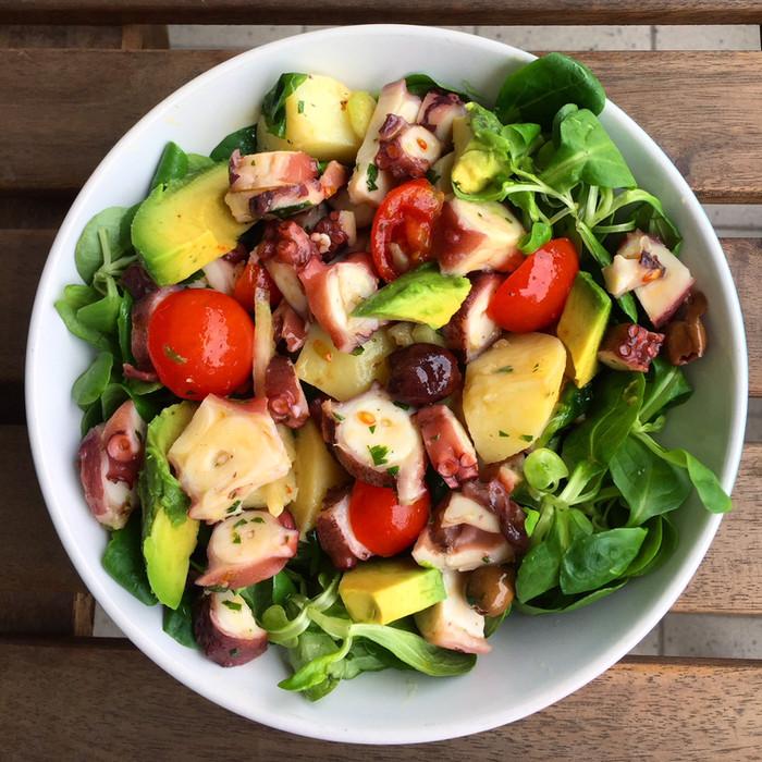 Le regole per creare un'insalatona sana e light