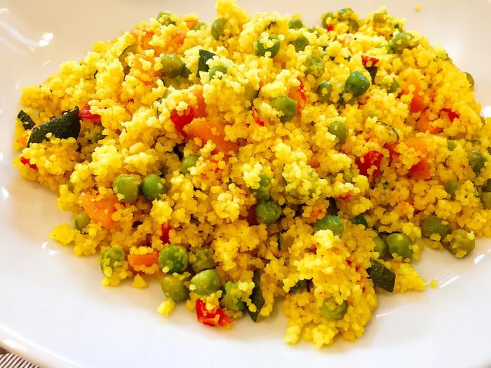 Couscous con verdure e curcuma