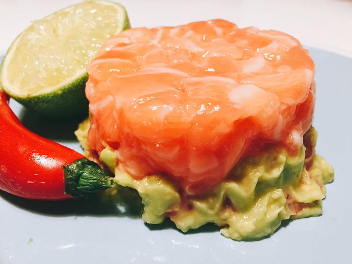 Tartare di salmone con guacamole