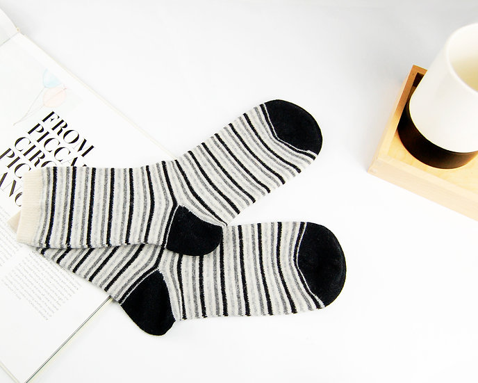 ถุงเท้า Wool Monotone Mini Stripe