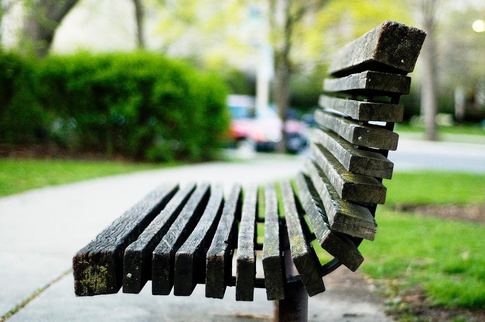 Oak_park_bench.jpg
