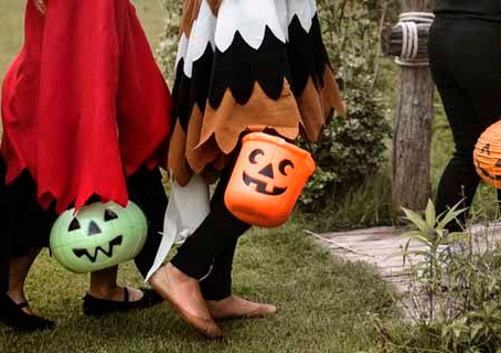 Helping Teens Choose Appropriate Halloween Costumes
