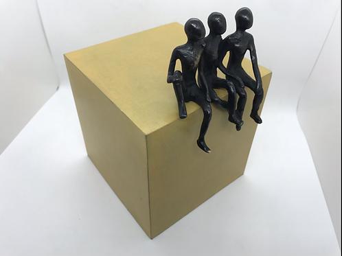 Les 3 frères... 5/8  (version jaune) | 22x15x16cm