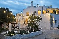 Pour votre séjour dans les Pouilles, nous vous proposons de visiter une fabrique à mozzarella prés du magnifique village d'Alberobello. Symbole de la région avec ses petites maisons totalement immergées entre la nature et la magnifique architecture baroque du sud de l'Italie. C'est donc pour cette occasion que nous vous proposons une activité culinaire et ensuite une dégustation de plats typiques de la région !