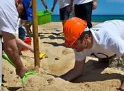 Lorsque vous partez pour la Sardaigne pour votre séminaire, parmi les team building les plus intéressants à organiser, il y en a certainement sur les plages. L'un des plus originaux pour vos collaborateurs est sans aucun doute la compétition des grands châteaux de sable !