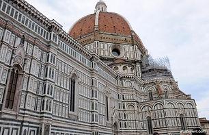 porte ouverte sur la Toscane