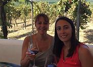Pour votre journée insolite sur le volcan, nous vous proposons également une dégustation de vin dans un vignoble local où vous profiterez d'une visite guidée dans le domaine, une dégustation de trois vins accompagnée par un déjeuner décontracté pour tous vos collaborateurs !