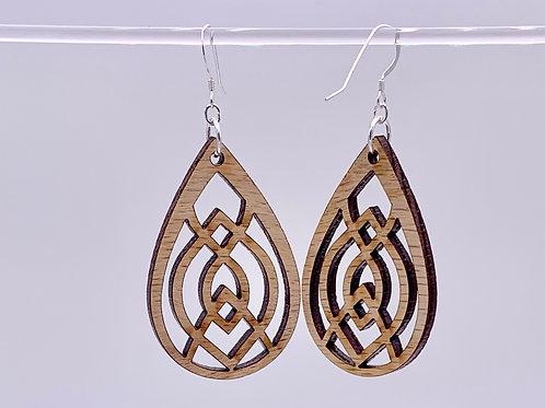 Geometric oval earrings
