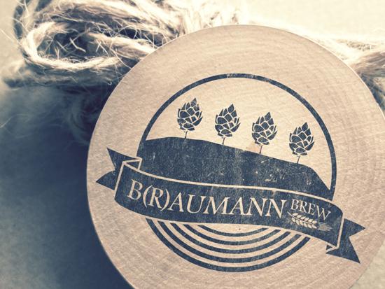 logo domácího pivovaru / B(r)aumann