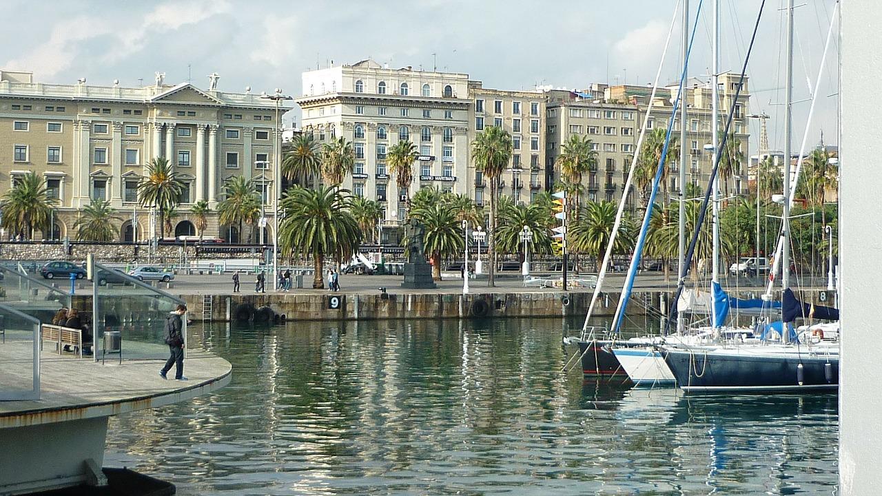 barcelona-51521_1280
