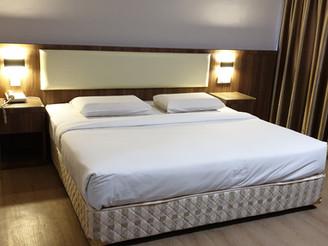 Premier King Bed2