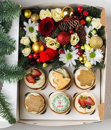 Капкейки новогодние с композицией