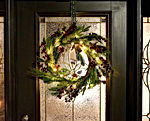 22 Inch Light-Up Christmas Wreath with Pinecones & Pine