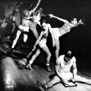 舞蹈空間第8號作品《逢場作戲》