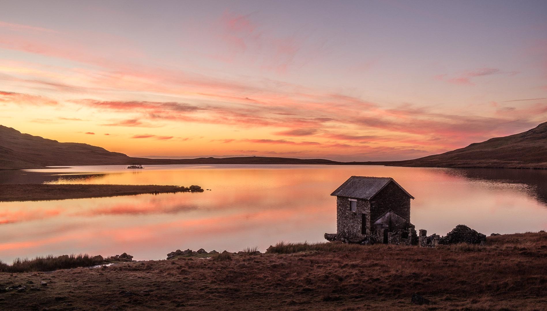 1568_Devoke Water Evening_John Reed