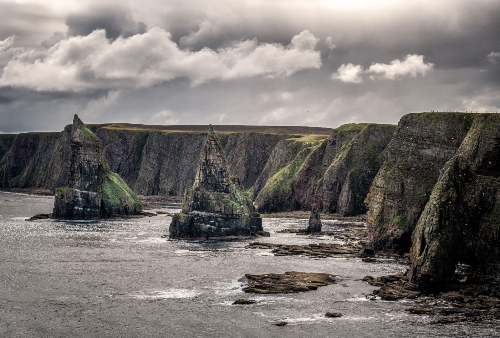 4724_Duncansby Stacks_Gerald Chamberlin.