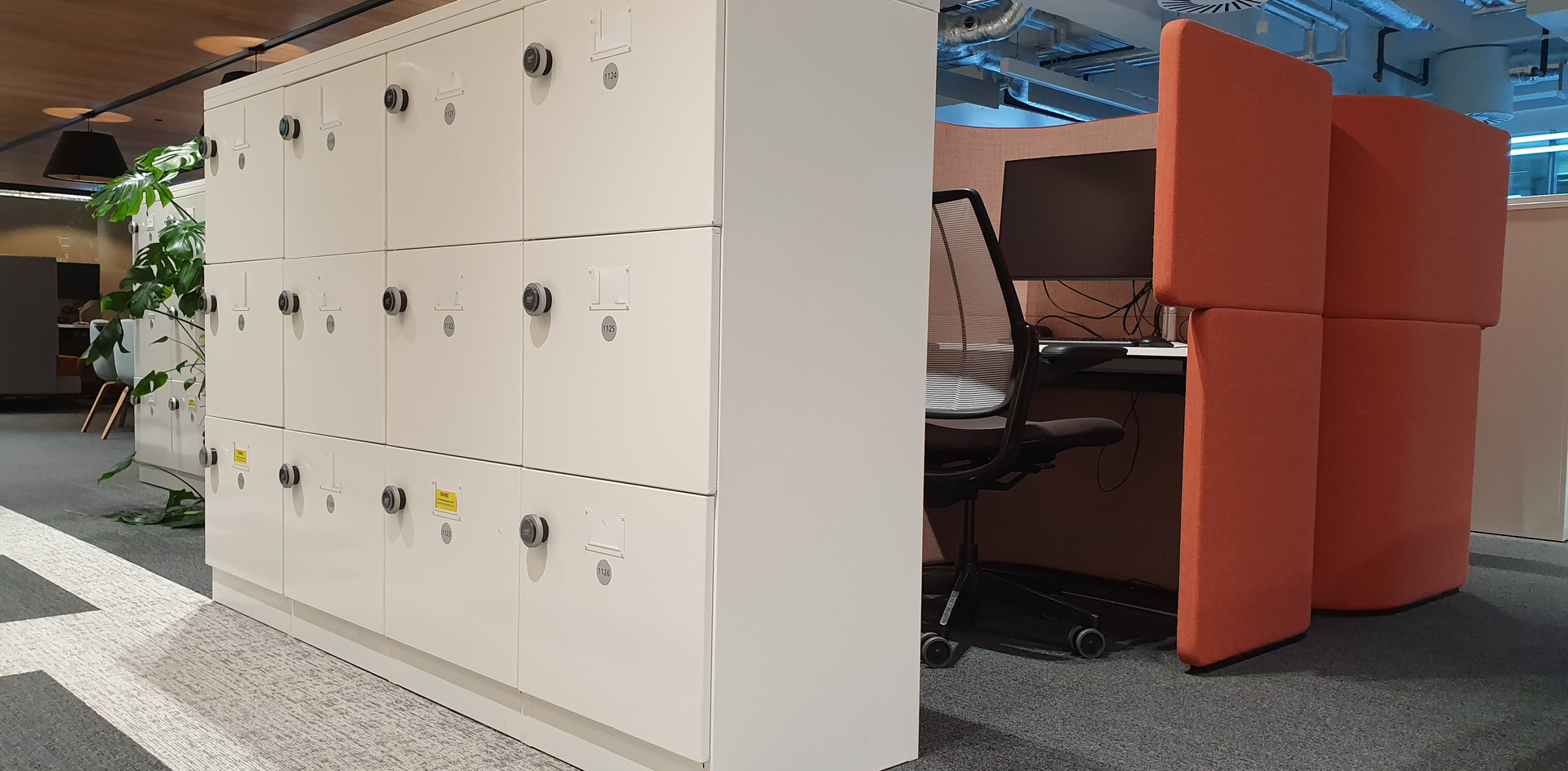 bespoke workplace hot desking flexible agile lockers RFID lock