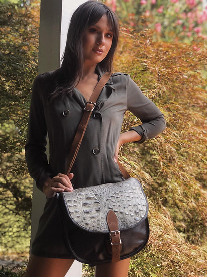 Elucy Medium Half Moon Cross Body