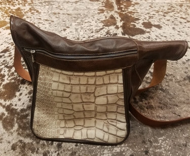 Bash Med Messenger Cross Body Bag