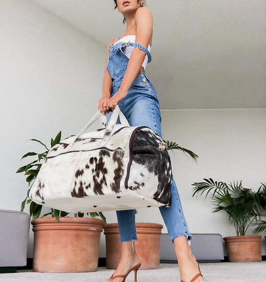 Mariana Extra Large Fur Carry On