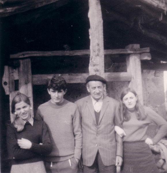090.- bis - 1969 - En el potro