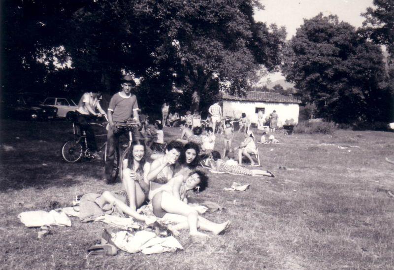 146.- 1978 - Jovenes en la Nogalera