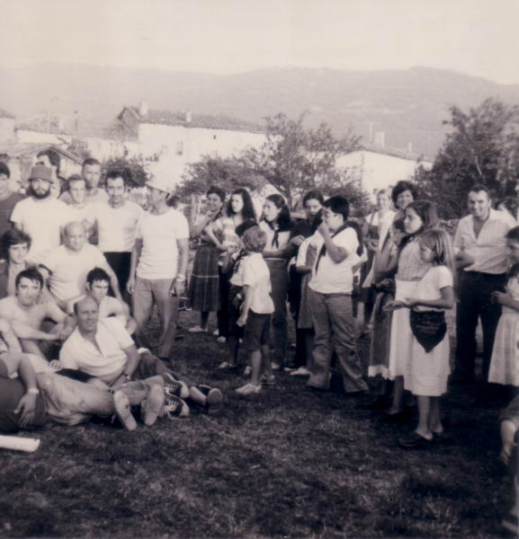 177.- 1979 - Partido de futbol Solteros contra Casados