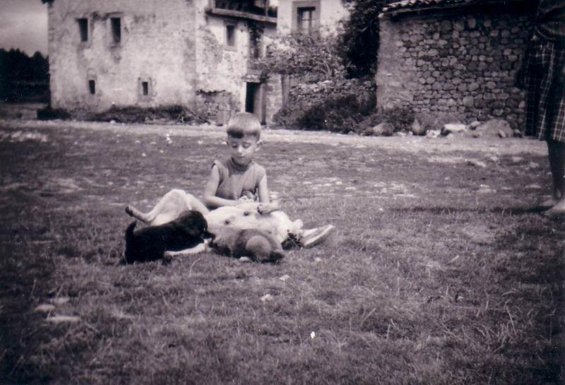 064.- 1961 aprox. - Fernando con la Tani en Quintanilla