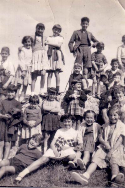 043.- 1959 - Ninos de la escuela