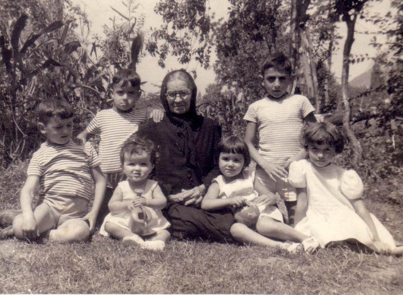 048.- 1959 aprox. - Luis y sus primos