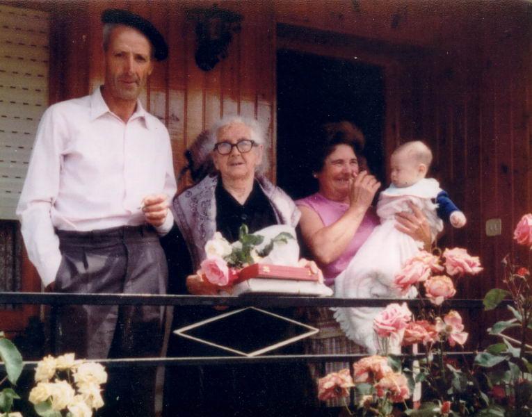 176.- bis - 1978 aprox. - Homenaje a la Sra. Luisa
