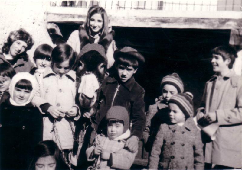 137.- 1974 - Pidiendo el Aguinaldo