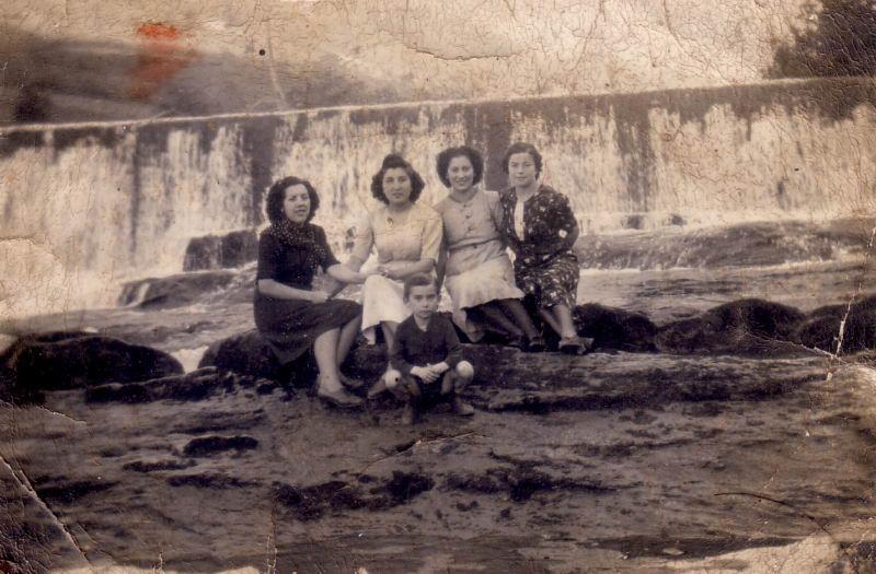 013.- 1941 - En el rio