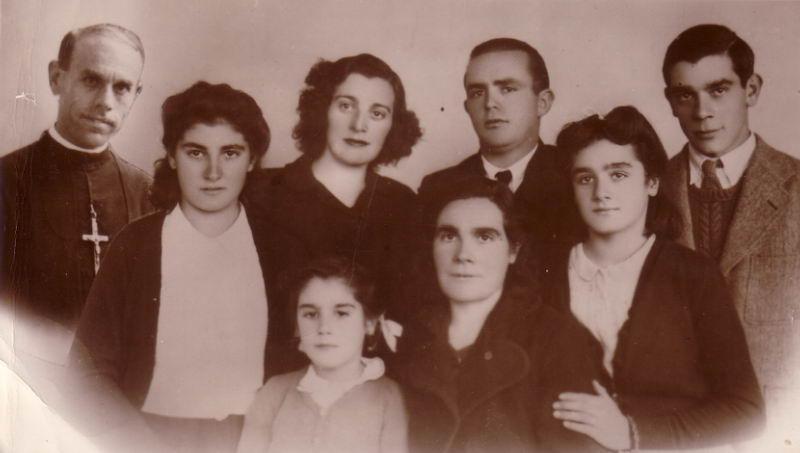 014.- 1942 - Hermanos y primos de Margarita