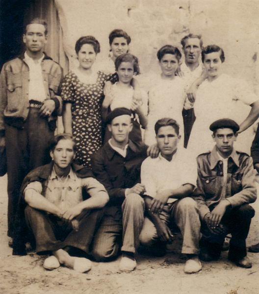 027.- 1946 aprox. - Gente de Quintanilla