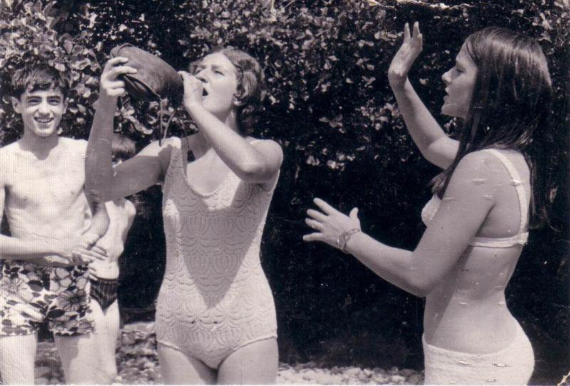 104.- 1970 aprox. - Jovenes de Quintanilla en el rio