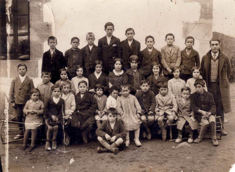 006.- 1929 - Niños de la escuela