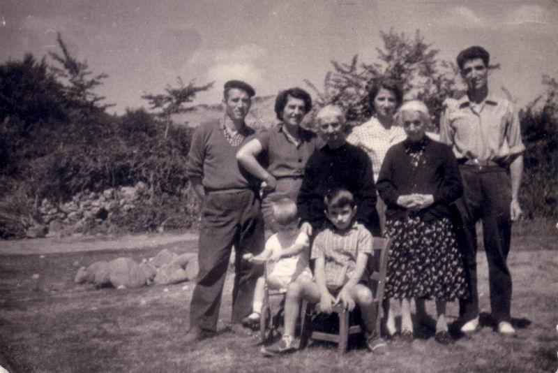 054.- 1960 aprox. - En el campo de Quintanilla