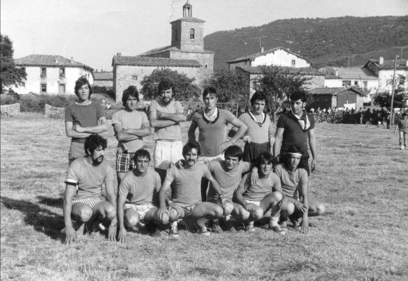 163.- 1975 - Equipo de solteros