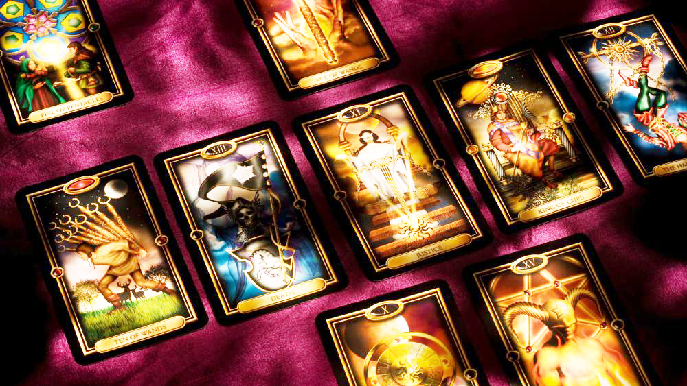 web page main pic tarot card